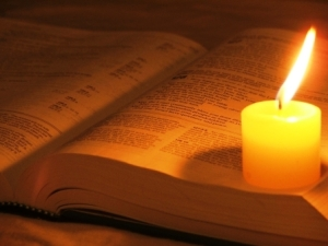 bible_with_candle