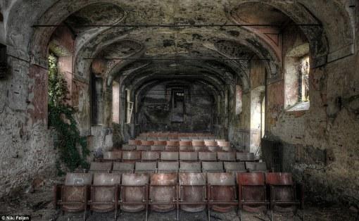 broken-theatre